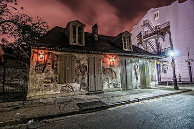 Gas Lamp Quarter Photograph - Lafitte's Blacksmith Shop by Andy Crawford