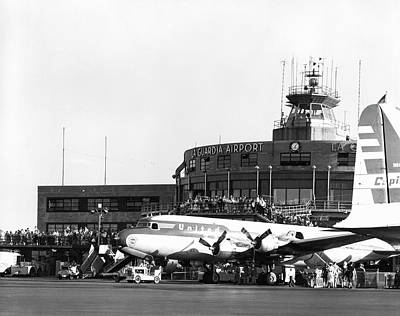 Airline Industry Photograph - Laguardia Airport In Queens by Underwood Archives