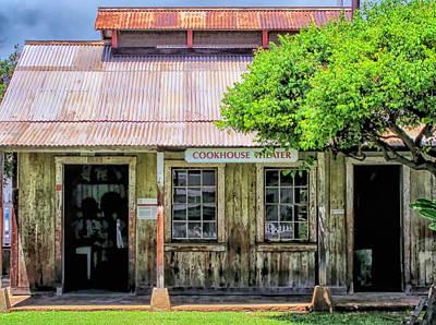 Photograph - Lahaina Building 1 by Dawn Eshelman