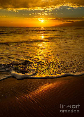 Ocean. Reflection Photograph - Lahaina Glow by Jamie Pham
