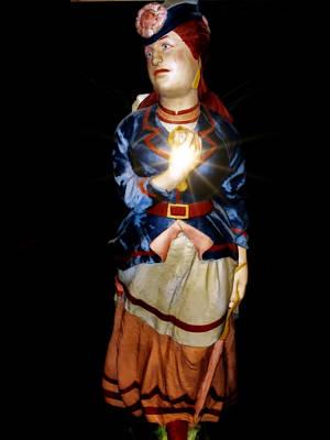 Photograph - Lahaina Statue 2 by Dawn Eshelman