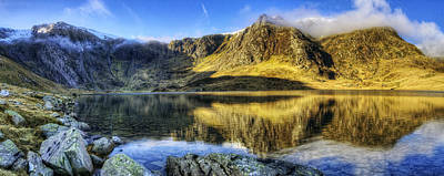 Lake Idwal Panorama Art Print by Ian Mitchell