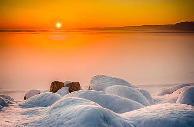 Photograph - Lake Pepin Winter Sunrise by Mark Goodman