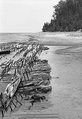 Gordon Lightfoot Photograph - Lake Superior Shipwreck by James Rasmusson