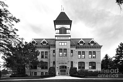 Lakeland College Old Main Hall Art Print by University Icons