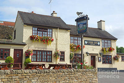Photograph - Lamb Inn by David Birchall