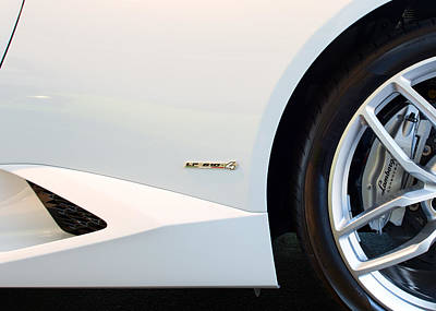 Photograph - 2015 Lamborghini Huracan Lr 610 4 Wheel  Emblem by Rospotte Photography