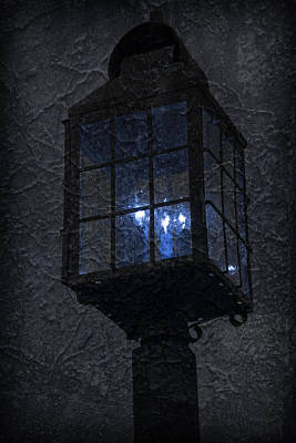 Photograph - Lamp Post Blues by John Stephens