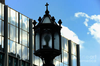 College Avenue Photograph - Lamp Post Pittsburgh by Thomas R Fletcher