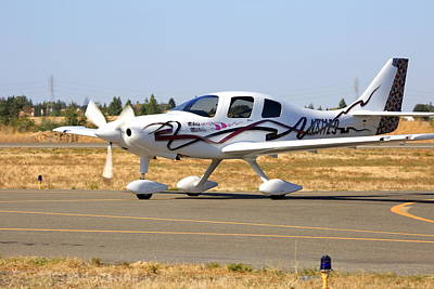 Photograph - Lancair Es Taxiing N811es by John King