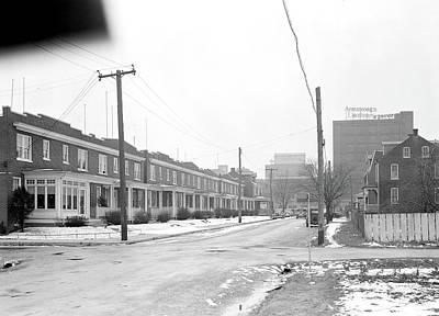 Linoleum Photograph - Lancaster, Pennsylvania - Housing. Homes Of Linoleum by Litz Collection
