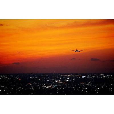 Skylines Photograph - Landing To The Magic City by Joel Lopez