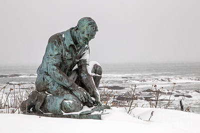 Lobstermen Photograph - Land's End Lobsterman Statue by Benjamin Williamson