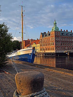 Photograph - Landskrona Se 202 by Jeff Brunton