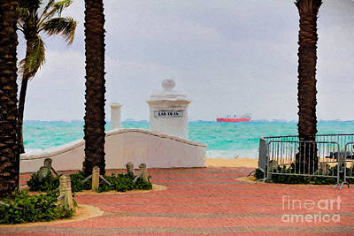 Photograph - Las Olas Beach In Ft Lauderdale by Les Palenik