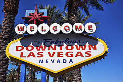 Las Vegas Sign Photograph - Las Vegas Nevada Welcome Sign by Garry Gay