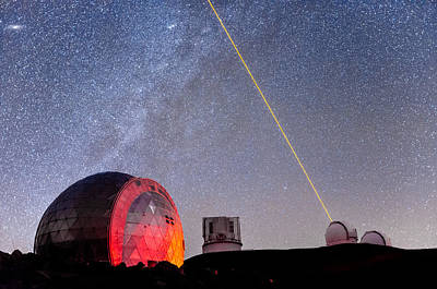 Photograph - Lasers Above Mauna Kea 2 by Jason Chu