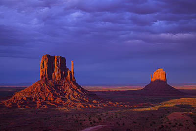 Photograph - Last Light Monument Valley by Garry Gay