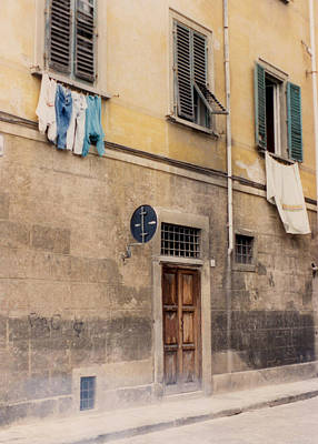 Laundry Day In Verona Art Print by Suzanne Gaff