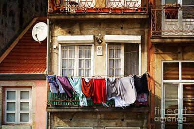 Laundry Day - Oporto Art Print