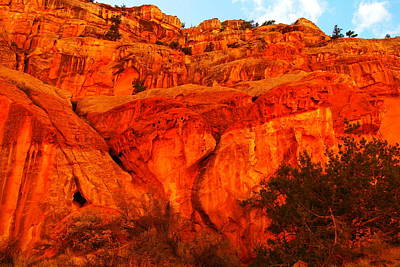 Capital Reef Photograph - Layers Of Orange Rock by Jeff Swan