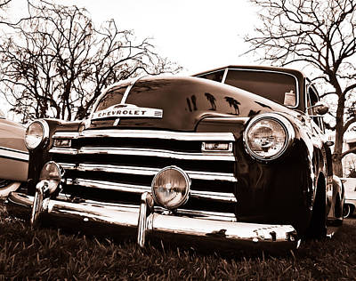 Kustom Photograph - Laying Low by Merrick Imagery
