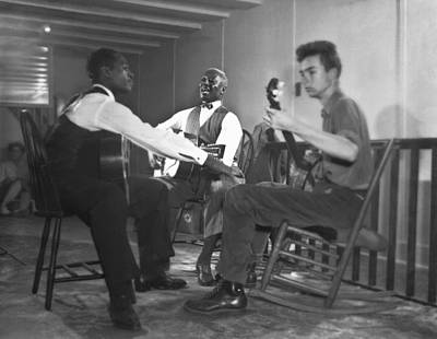 Banjo Photograph - Leadbelly, White, Pete Seeger by Underwood Archives