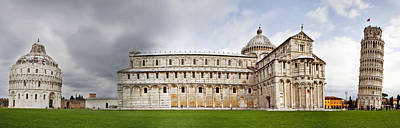Leaning Building Photograph - Leaning Tower Of Pisa And Cathedral Square by Susan Schmitz