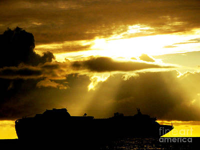 Art Print featuring the photograph Leaving Kona by David Lawson
