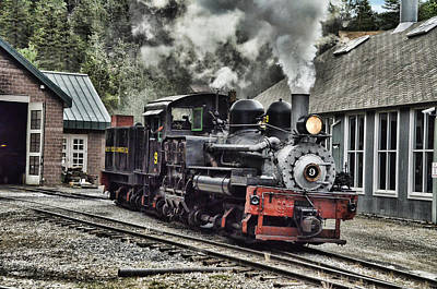 Wsl Photograph - Leaving The Shed by Ken Smith