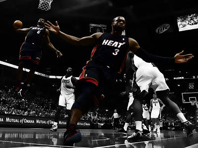 Dwyane Wade Digital Art - Lebron And D Wade Showtime by Brian Reaves
