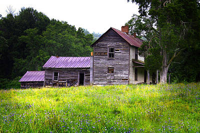 Photograph - Leicester North Carolina Old Farmhouse by Gray  Artus