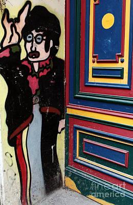 Lennon In Berlin Print by John Rizzuto