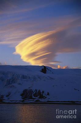 Photograph - Lenticular Cloud by Greg Dimijian