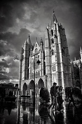 Leon Cathedral Art Print by Tom Bell