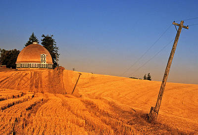 Round Barn Photograph - Leonards Round Barn by Latah Trail Foundation