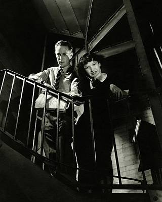 Leslie Howard And Peggy Conklin Leaning Print by Lusha Nelson