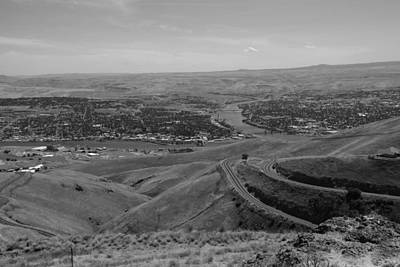 Photograph - Lewiston Idaho Carkston Wa In Black And White by Ron Roberts