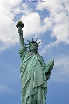 Goddess Of Liberty Photograph - Liberty Enlightening The World by Sonali Gangane