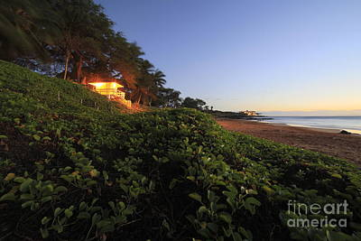 Lifeguard Shack Kamaole IIi Beach South Maui Kihei Hawaii Art Print by Edward Fielding