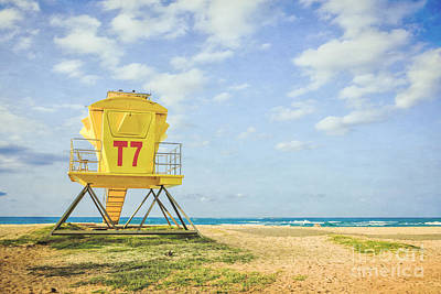 Photograph - Lifeguard Tower At The Beach by Edward Fielding