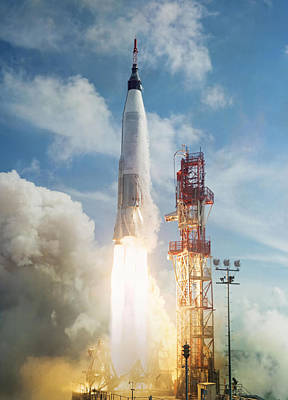 Spaceflight Photograph - Lift Off by Peter Chilelli
