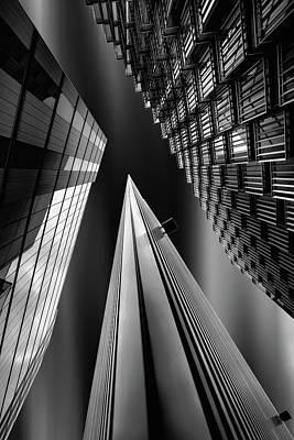 Pointing Photograph - Light Pyramid by Olavo Azevedo