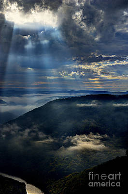 Photograph - Light Shinng On Cloud In Valley by Dan Friend