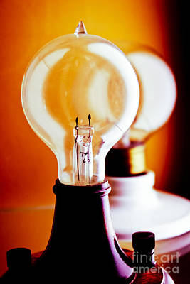 Old Light Bulb Photograph - Vintage Light Bulbs by Colleen Kammerer