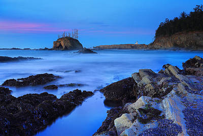 Gregory Photograph - Lighthouse From Sunset Bay by Robert Bynum