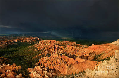 Photograph - Lightning Rainbow Hoodoos Bryce Canyon Utah by Dave Welling
