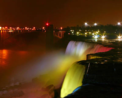 Lights On Niagara Falls Art Print by Richard Engelbrecht