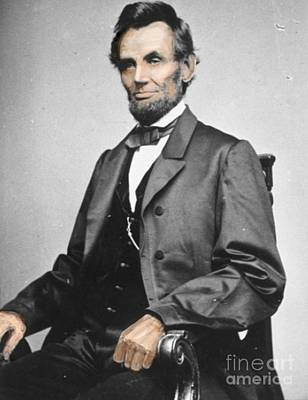 Roaring Red - Lincoln brought to life in color by Larry Lamb