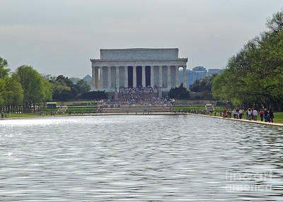 Art Print featuring the photograph Lincoln Memorial 1 by Tom Doud